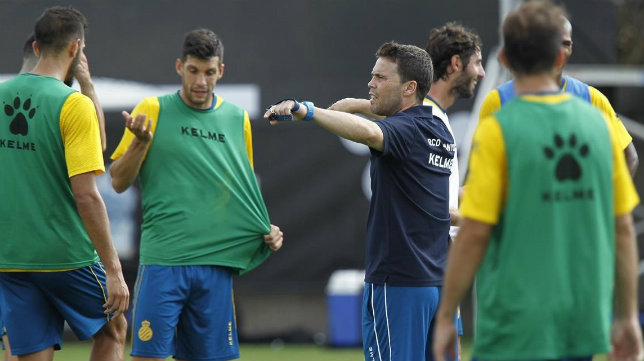Rubi, en un entrenamiento con el Espanyol.
