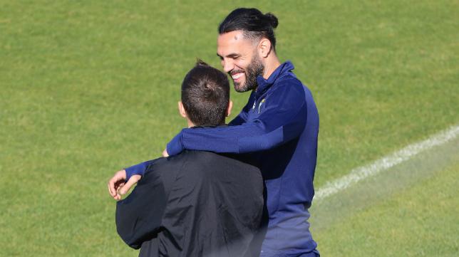 Sergio Sánchez no entrenó junto al grupo en la vuelta a los entrenamientos.