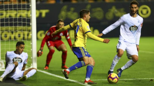 Manu Vallejo completó una actuación sobresaliente ante el Deportivo.