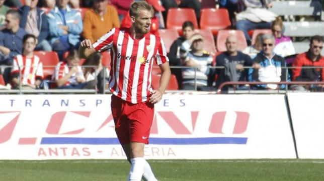 Esteban Saveljich, defensa argentino del Almería.