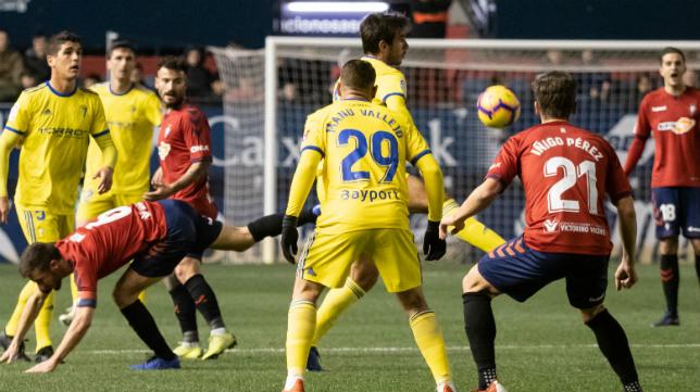 Osasuna y Cádiz CF se vuelven a ver las caras este domingo.