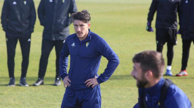 Espino no entra en la lista de convocados del Cádiz CF ante el Zaragoza.