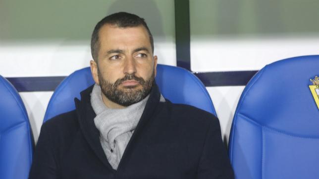 Diego Martínez, entrenador del Granada, antes del encuentro en el Carranza.