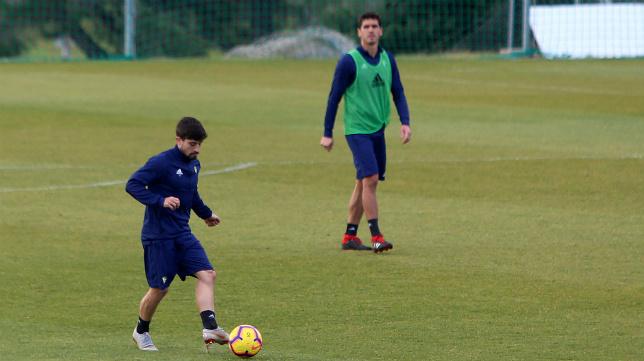 Jairo y Garrido en un entrenamiento