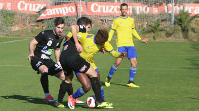 Peter se marcha del Cádiz CF B.