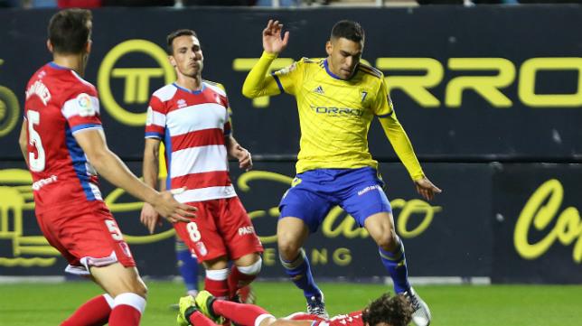 Dani Romera en un momento del partido ante el Granada