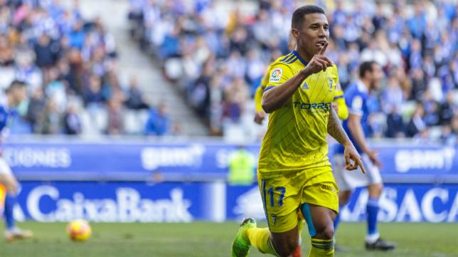 Darwin Machís celebra un gol en Oviedo.