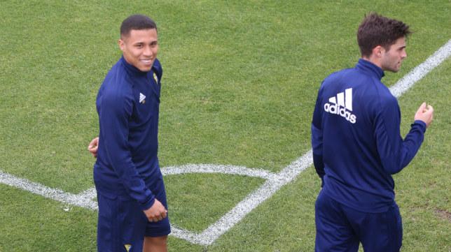 Machís, en su primer entrenamiento con el Cádiz CF.