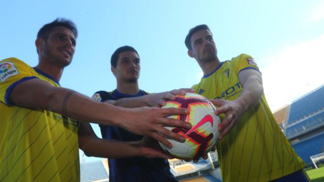 Querol, Jovanovic y Pantic fueron presentados en el Estadio Ramón de Carranza.