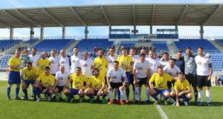 Los veteranos de Arcos CF y Cádiz CF jugaron en el Estadio Antonio Barbadillo.