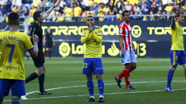 Aketxe se lamenta tras fallar una ocasión de gol