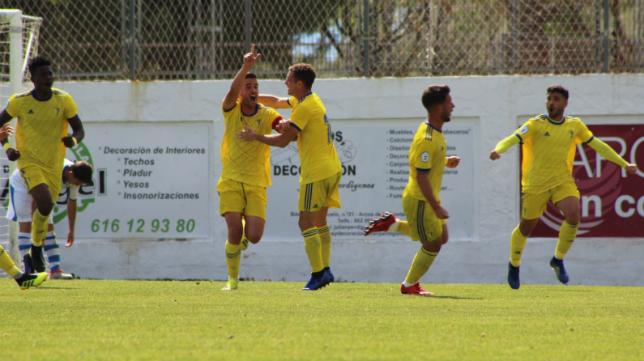 El Cádiz CF B goleó al Arcos CF en el Estadio Antonio Barbadillo. Foto: Arcos CF.