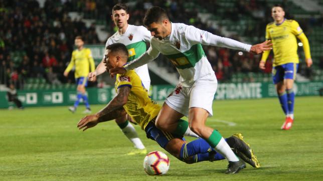 Machís no pudo evitar el tropiezo del Cádiz CF en Elche.