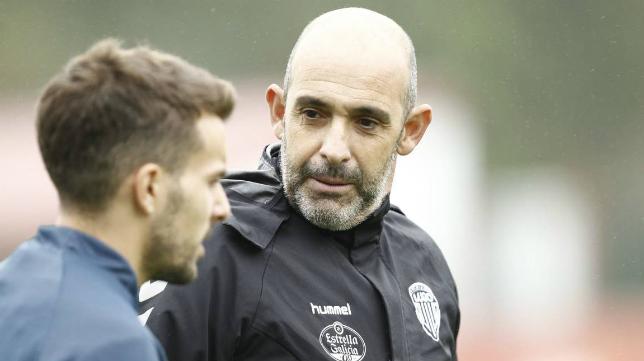 Alberto Monteagudo, en un entrenamiento con el CD Lugo.
