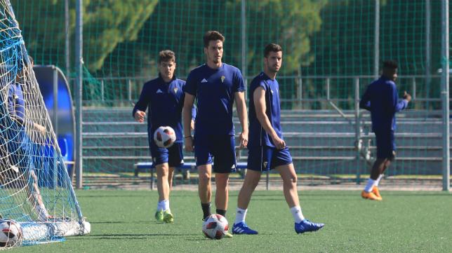 El Cádiz CF B prepara su cita ante el Xerez DFC.