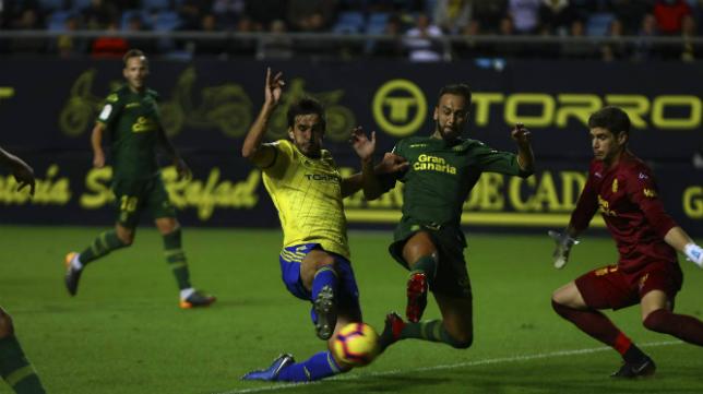 La UD Las Palmas será rival del Cádiz CF en Segunda un año más.