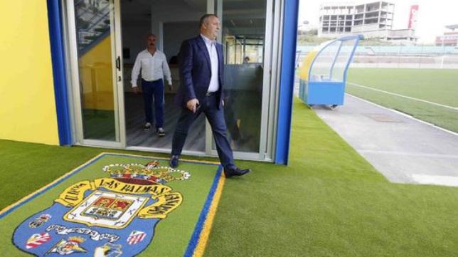 El presidente Miguel Ángel Ramírez está en el ojo del huracán del Nuevo Insular.