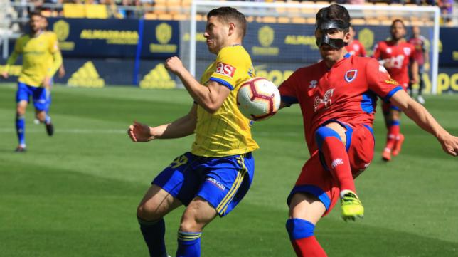 Manu Vallejo jugó los 90 minutos ante el Numancia.