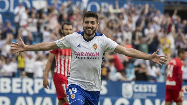 Papu celebra un gol con el Zaragoza. Foto: Heraldo.