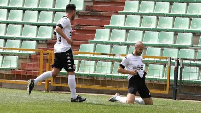 El Mérida, campeón del Grupo XIV de Tercera, es uno de los posibles rivales del Cádiz CF B. Foto: Hoy.