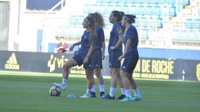 El Cádiz CF Femenino entrenó en el Estadio Ramón de Carranza. Foto: Cádiz CF Femenino.