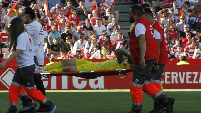 Edu Ramos abandonó a las primeras de cambio el campo del Granada.