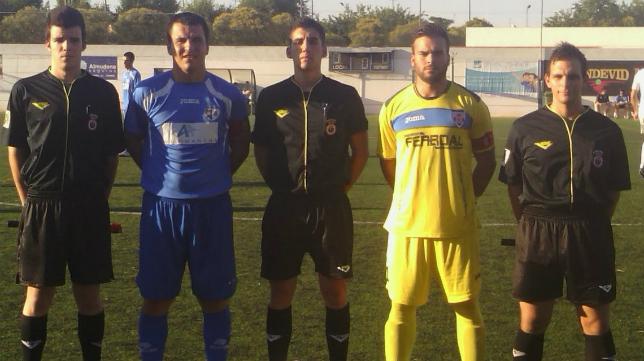 González del Campo López-Menchero (centro) arbitrará el Cádiz CF B-Osasuna Promesas. Foto: Daimiel.