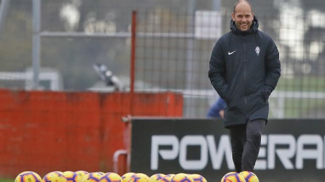 José Alberto López, entrenador del Sporting.
