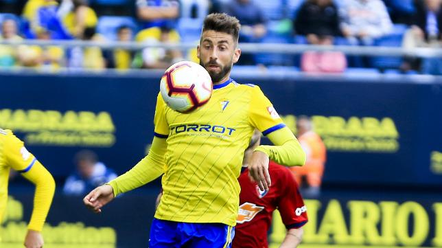 José Mari en un partido con el Cádiz CF.