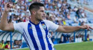 Caye celebra un gol con el Recre.
