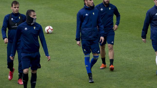 Correa y Brian, en un entrenamiento del Cádiz CF.