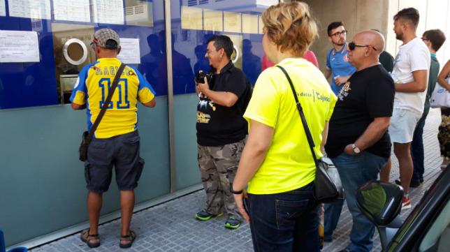 Los abonados del Cádiz CF tienen ventajas en estos encuentros.