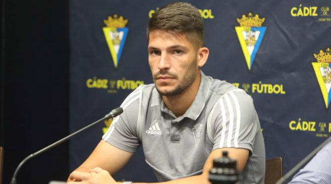 Caye Quintana en su presentación como jugador del Cádiz