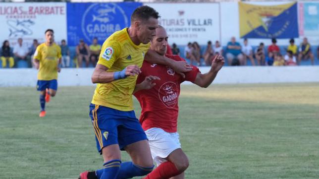 Querol en un partido con el Cádiz