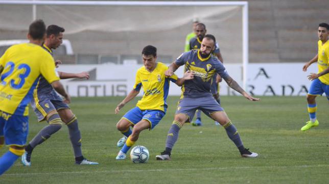 Edu Ramos disputó el segundo tiempo. Foto: Cádiz CF.