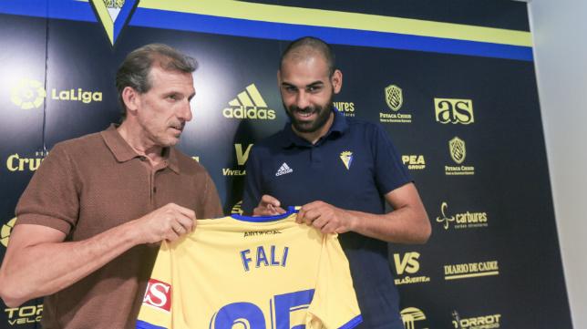 Fali fue presentado el pasado mes de mayo por Arias.