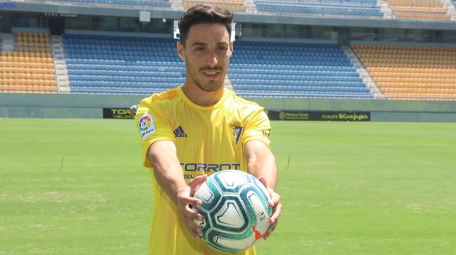 Iza, nuevo jugador del Cádiz CF.