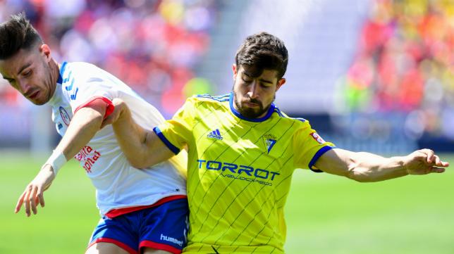El Cádiz CF, tanto masculino como femenino, llevará de nuevo publicidad en las mangas.