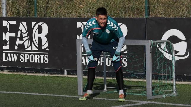 Juan Flere, guardameta del Cádiz CF B. Foto: Llagostera.