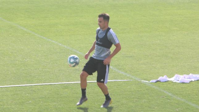 Jurado, en un entrenamiento con el Cádiz CF.
