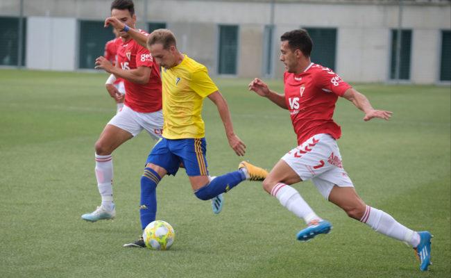 El Cádiz CF B consiguió los tres puntos en el inicio liguero.