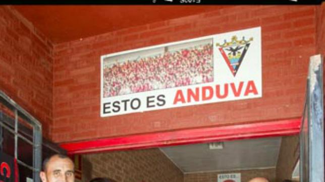 Lema que aparece en la salida del túnel de vestuario del mítico estadio del Mirandés.