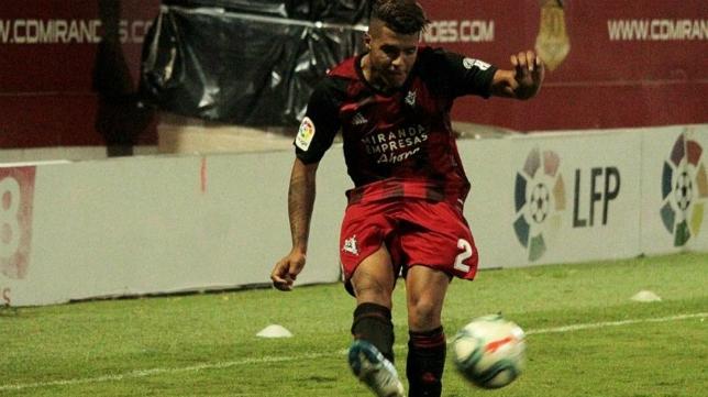 El Mirandés fue capaz de empatar en Vallecas ante el Rayo (2-2).