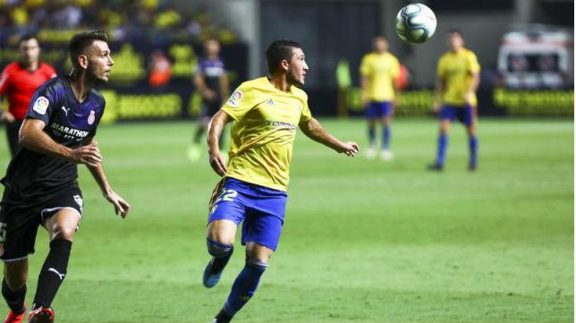 Espino vuelve a la convocatoria del Cádiz CF después de perderse el partido ante el Deportivo.