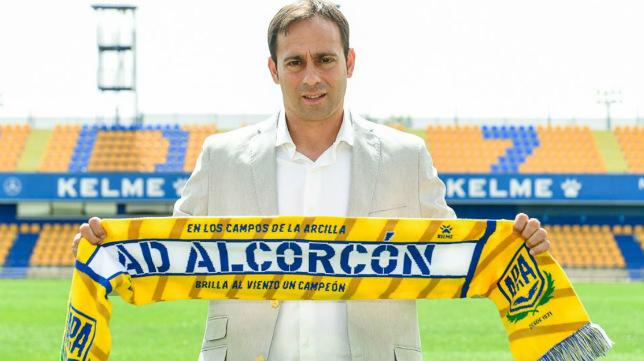Fran Fernández, entrenador del Alcorcón.