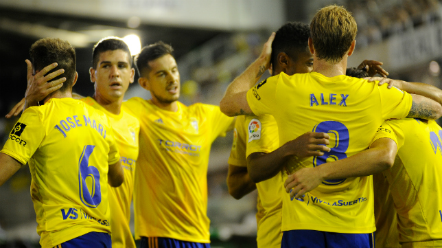 Álex marcó el tanto de la victoria cadista en El Sardinero.