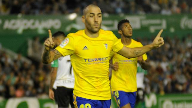 El Cádiz CF sigue líder.