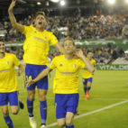 Álex marcó el gol de la victoria en Santander.