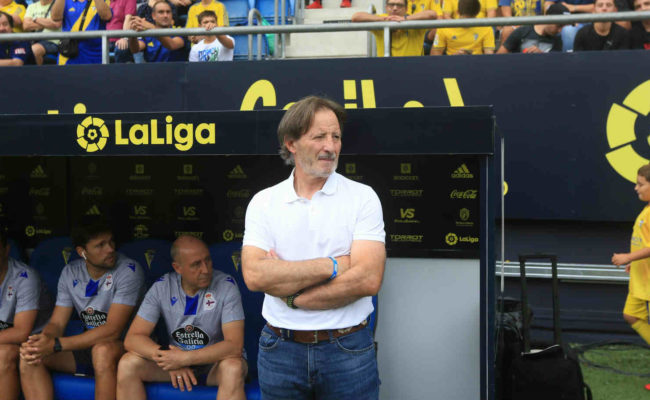 Anquela, exentrenador del Deportivo y único capaz de sumar en Carranza.