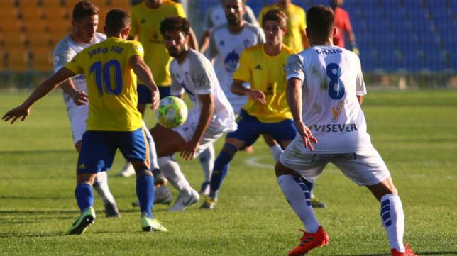 El Cádiz B venció al Villarrobledo en El Rosal.